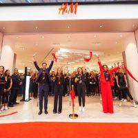 Это Ватикан? Нет, Киев: как прошло открытие первого в Украине магазина H&M