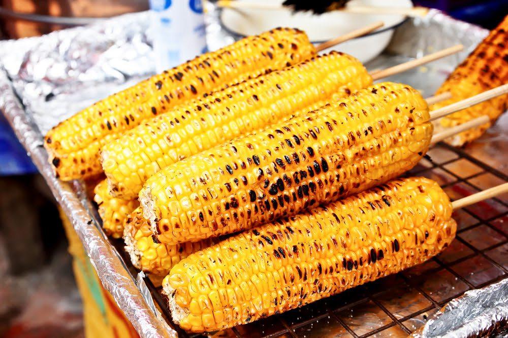 Разгар сезона: кукуруза на гриле с пармезаном
