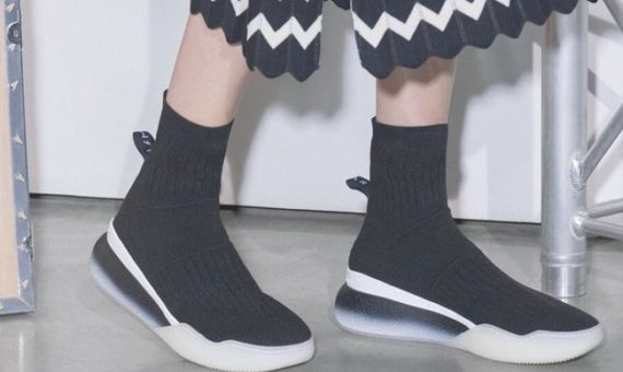 Стелла Маккартни представила кроссовки, которые полностью перерабатываются