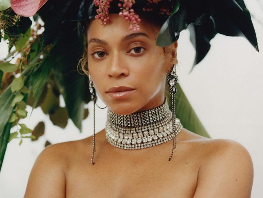 """Певица Beyonce в роскошном платье-жакете посетила премьерный показ """"Короля Льва"""""""