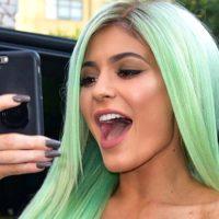"""""""Примерь"""" помаду: Кайли Дженнер запустила собственный фильтр в Instagram"""