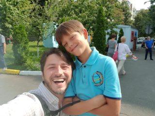 Редкое фото: Сергей Притула показал сына