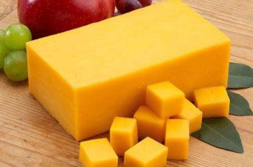 Ученые из Австралии назвали вид сыра, который можно есть на ночь