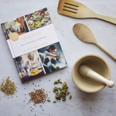 Меган Маркл выпустила благотворительную кулинарную книгу