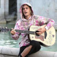 Джастин Бибер спел любимой серенаду у Букингемского дворца