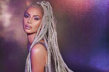 Как барби: Ким Кардашян снялась в новой рекламе косметики