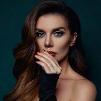 Маникюр на лето: топ-10 вариантов от Анны Седоковой