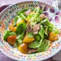 Осенний салат со сливами и телятиной: рецепт от Евгения Клопотенко