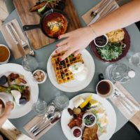 6 лайфхаков, как отвлечься от мыслей о еде