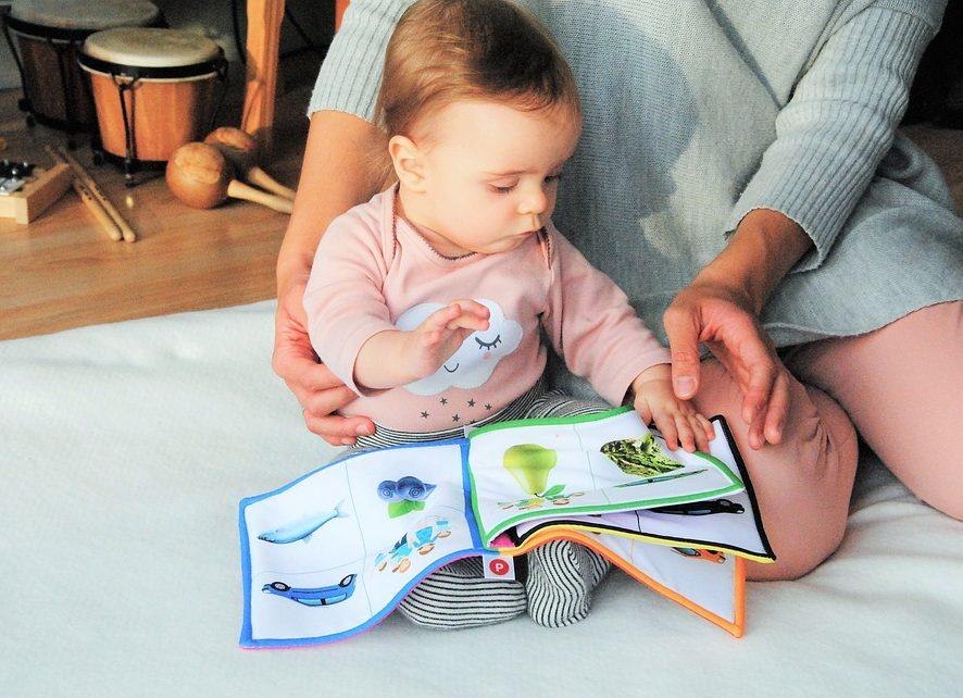 Гортання - крок до читання: як правильно вибрати книжку для малюка та що таке mix & match