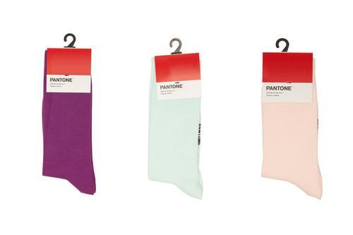 Pantone выпустил коллекцию разноцветных носков