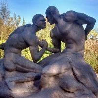 """Автор скульптуры """"голых"""" братьев Кличко прокомментировал свое творение"""