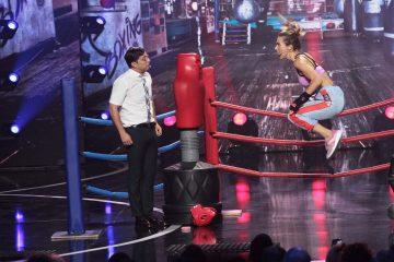 Зеленского пытались избить за измену, а Яму заставили танцевать тверк