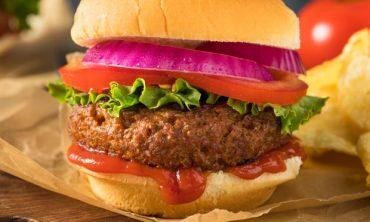 Ученые признали слишком солеными альтернативы мясу в Англии