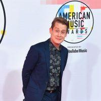 Маколей Калкин взорвал Twitter своим появлением на American Music Awards 2018