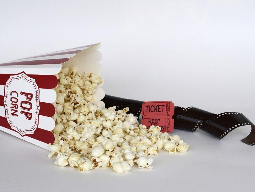 Кинотеатрам разрешили показ фильмов 18+ в любое время