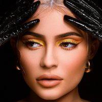 Кайли Дженнер отметила выпуск новой коллекции косметики девичником
