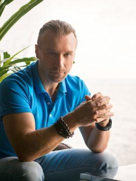 Олег Винник рассказал, как привлекает внимание женщин к себе