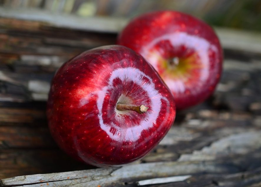 Диетолог назвала топ-3 неизвестных факта о яблоках