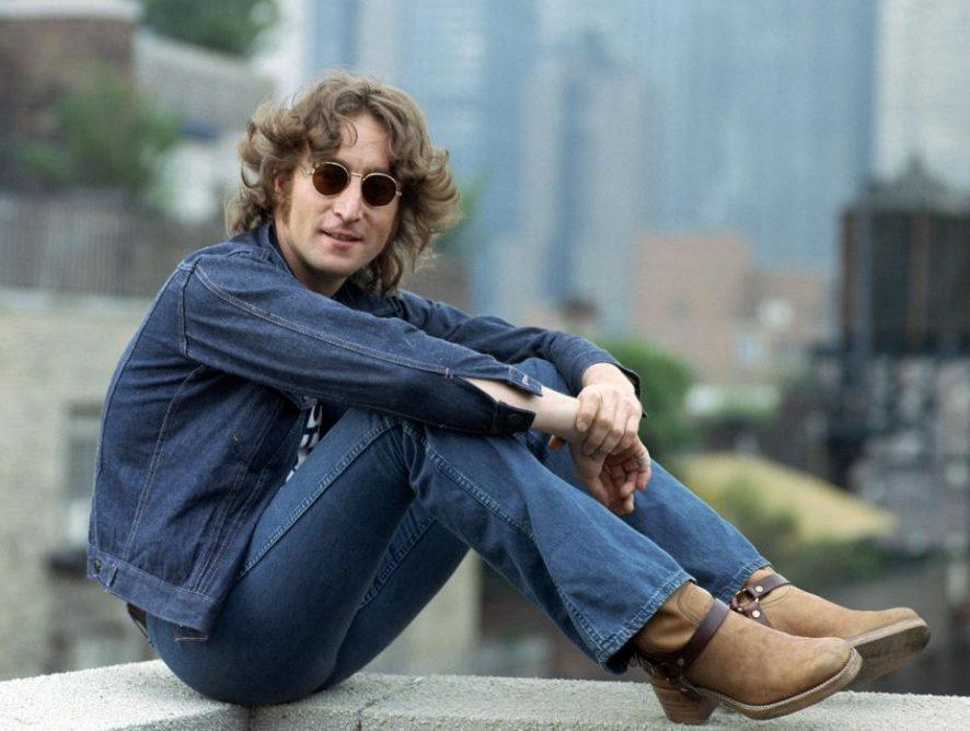 День рождения Джона Леннона: топ-7 легендарных песен основателя The Beatles