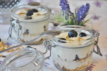 Почему стоит полюбить домашний йогурт: мнение диетологов