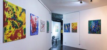 Мозаика Малайзии и золото Сахары: в Риме проходит выставка украинской художницы