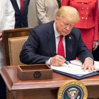 """Трампа призвали не использовать цитаты """"Игры престолов"""""""