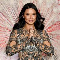 Модель Адриана Лима попрощалась с Victoria's Secret
