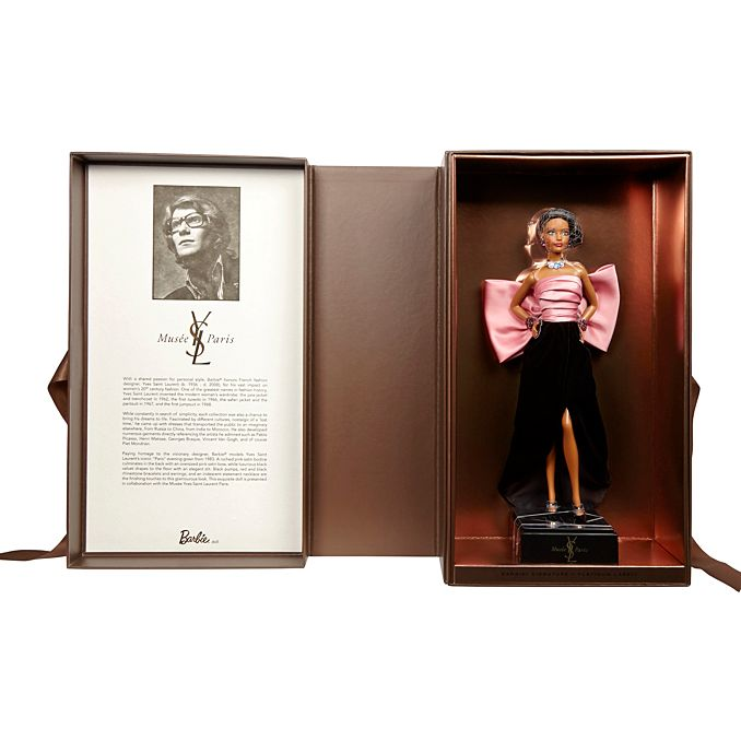 Куклы Барби одели в наряды от Saint Laurent