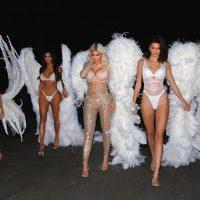 Сестры Кардашян на Хэллоуин стали ангелами Victoria's Secret