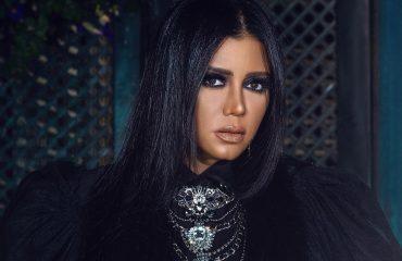 Египетская актриса предстанет перед судом за откровенное платье