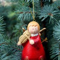 Доктор Комаровский рассказал, как избежать вреда от новогодней елки