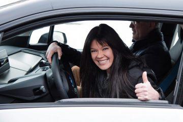 В новый год с чистой энергией: Руслана пересела на электромобиль