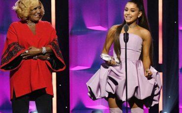 Песочный костюм Дуа Липы и лавандовое платье Арианы Гранде: 7 ярких нарядов Billboard Women 2018