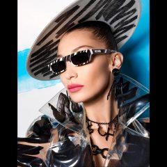Белла Хадид в роскошном образе снялась в рекламе Moschino