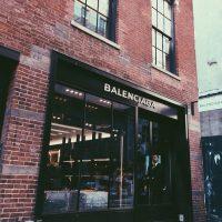 Модный дом Balenciaga выпустил коллекцию зимних очков