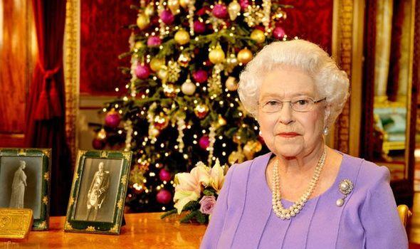 Королевское Рождество: резиденцию Елизаветы II украсили к празднику