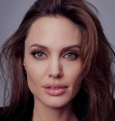 Анджелина Джоли намекнула, что может пойти в политику