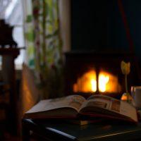 Топ-5 книг для уютных зимних вечеров