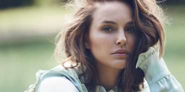 Натали Портман в соблазнительном образе снялась в рекламе для бренда Dior