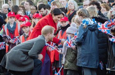 Принц Гарри спел в честь дня рождения маленькой британки