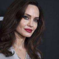 Большое возвращение в кино: Анджелина Джоли снимется в новом триллере