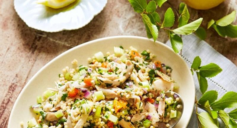 Вместо второго: теплый салат с курицей и кускусом