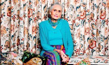 90-летнюю модель Дафни Селф наградят орденом Британской империи
