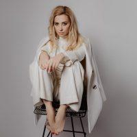 Тоня Матвиенко презентовала хит, впервые написанный супругом