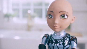 У знаменитого робота Софии появилась мини-копия для детей