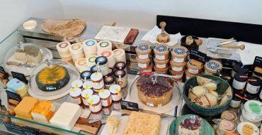 """У веганского магазина в Британии пытаются отнять слово """"сыр"""""""