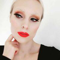"""""""Невидимые брови"""": Instagram захватил необычный fashion-тренд"""