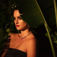 По джунглям в вечернем платье: Пенелопа Крус стала лицом новой рекламной кампании Atelier Swarovskі
