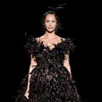 Бывших моделей не бывает: 50-летняя Кристи Тарлингтон впервые за 20 лет вышла на подиум